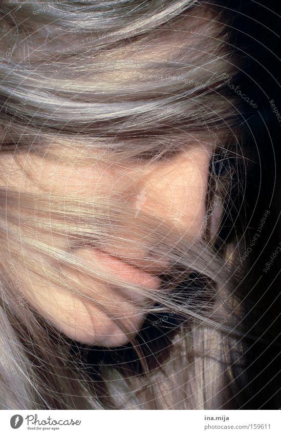 such mich doch Jugendliche ruhig Gefühle Haare & Frisuren blond Erwachsene Schutz zart geheimnisvoll verstecken langhaarig Schüchternheit Scham unschuldig