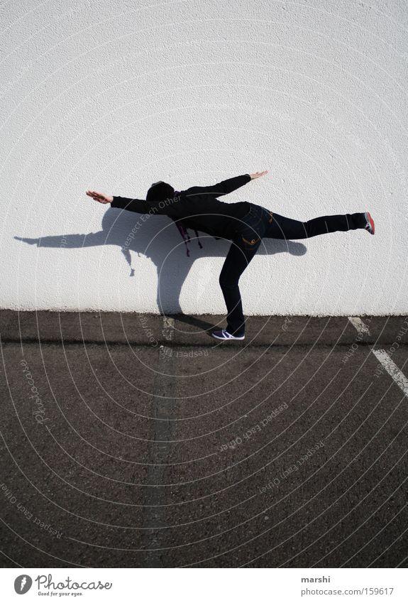 streetyoga Frau Straße Sport Bewegung Beine Elektrizität Körperhaltung Freizeit & Hobby Fitness Konzentration Verkehrswege Yoga Turnen Ausdauer Straßenkunst