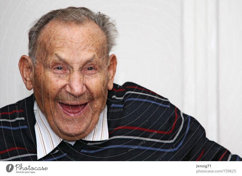 Lach doch! Mann lachen Gesicht Großvater alt Freude Senior Glück Seniorenpflege