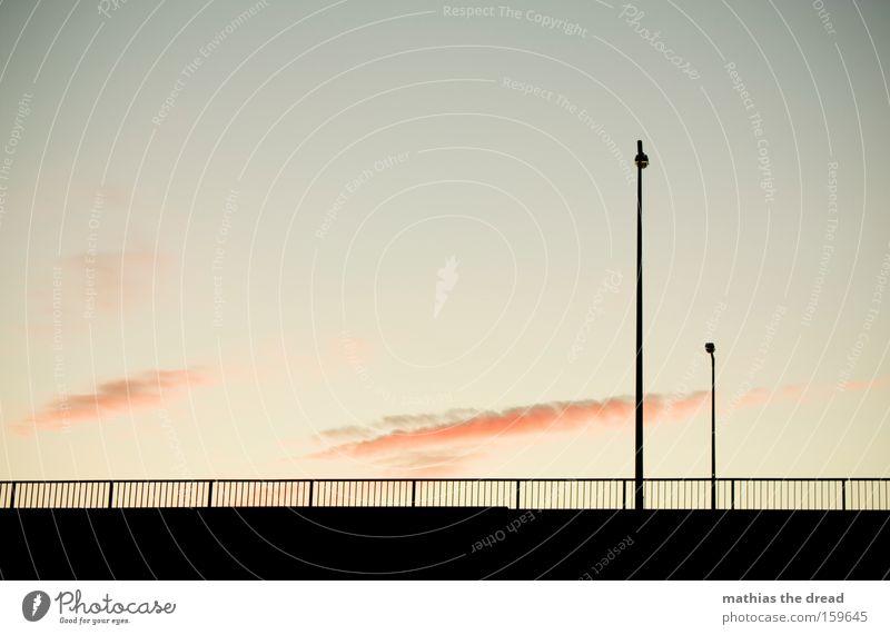 GERADE GERÜCKT Himmel Dämmerung Sonnenuntergang schön ästhetisch Idylle Natur Romantik Romanik Straße Laterne Zaun Silhouette schwarz Tod bewegungslos Wolken