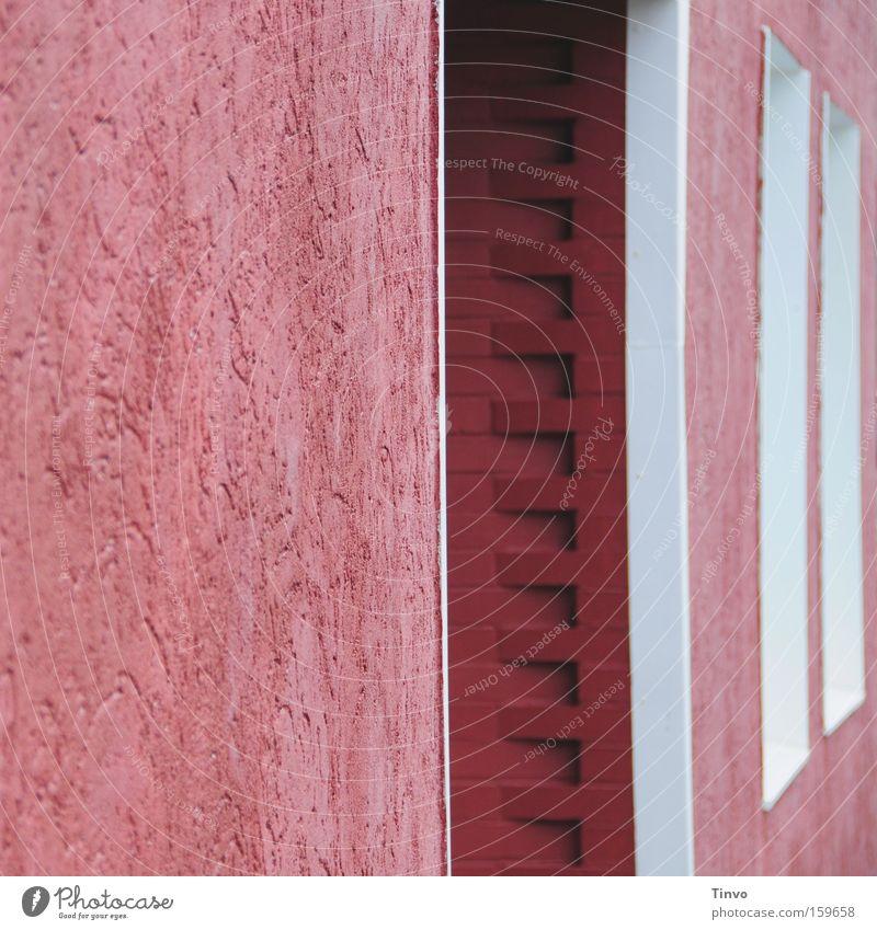 Pink House Haus Mauer Architektur rosa Fröhlichkeit Eingang Häuserzeile Fensterrahmen rotbraun