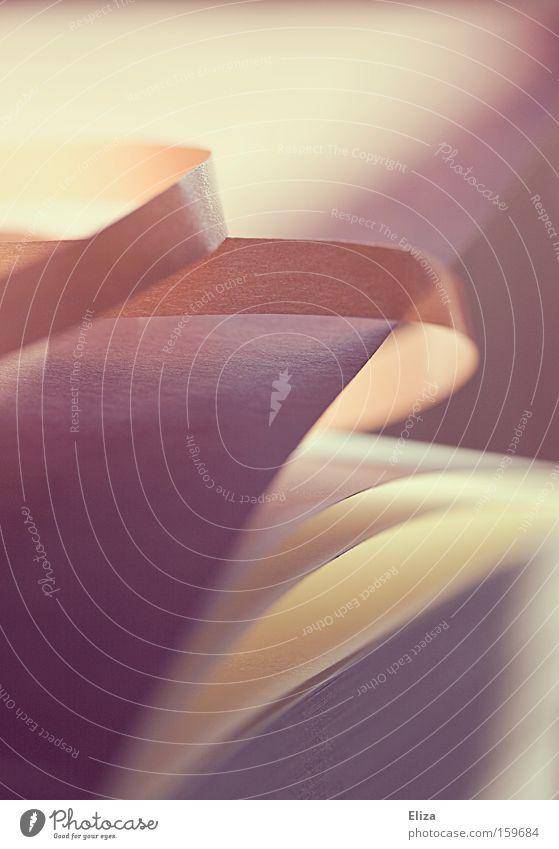 Liebes Tagebuch, ich bin verliebt.. rosa Geburtstag Buch Romantik weich nah Jubiläum Makroaufnahme Buchseite Verliebtheit Schreibwaren einpacken Geschenkband