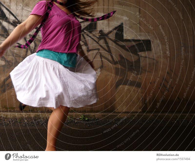 kopfloser drehwurm Mensch feminin Junge Frau Jugendliche 1 18-30 Jahre Erwachsene Tunnel Bewegung drehen Tanzen Coolness sportlich rosa Freude Glück