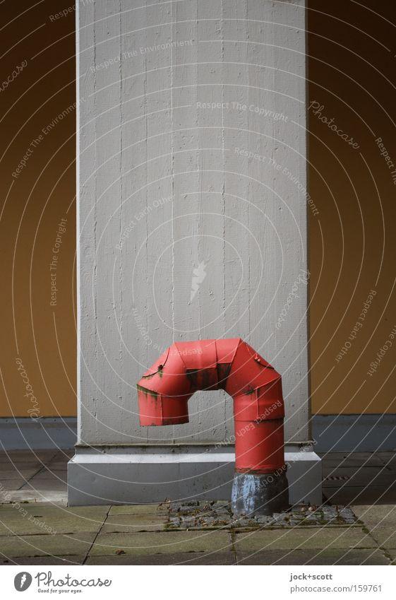 Einwandfrei rot Einsamkeit Winter schwarz Wand Architektur Mauer Metall Luft trist Beton Metallwaren Rost deutlich machen Eisenrohr