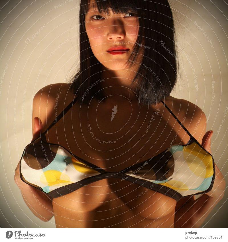 Keine Komplexe Mensch Frau Jugendliche schön Erwachsene Gesicht feminin Leben Haare & Frisuren Junge Frau Mode Gesundheit Zufriedenheit Haut Frauenbrust Wellness