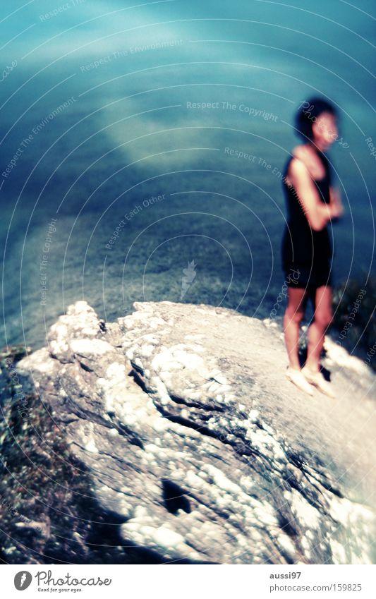 Das Wasser ist nicht tief, du kannst drin stehen... Berge u. Gebirge Felsen Aussicht Am Rand Tal Klippe Schwindelgefühl schwindelfrei