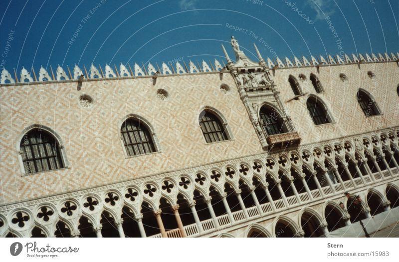 Venezia... Venedig Dogenpalast Markusplatz Stadt Italien Tourist Architektur Adria Abwasserkanal