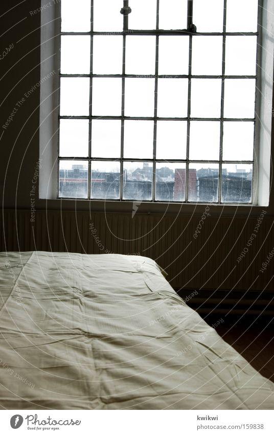 [HB 09.1] - schlafzimmer Bett Fenster schlafen Aussicht Bettdecke Decke Wand Raum Örtlichkeit Schlafzimmer Örtlichkeiten räumlich