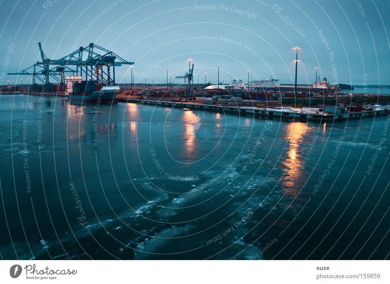 Hafen Helsinki Meer Wasserfahrzeug Güterverkehr & Logistik Industriefotografie Wirtschaft Anlegestelle Handel Schifffahrt Ostsee Kran Container Ware Fähre Krise