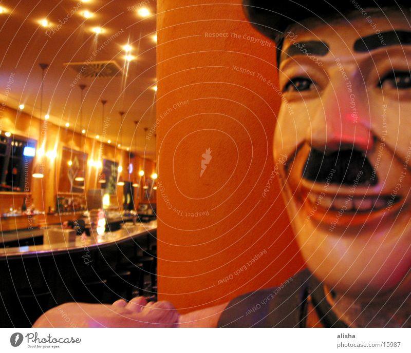 fun guy Skulptur Gastronomie Freizeit & Hobby Licht Gesicht Kneipe