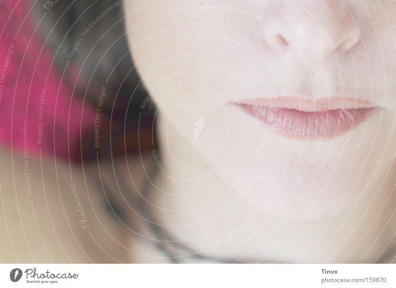 la vie en rose Gesicht Frau feminin Mund Hals Lippen Lippenstift Nase Zärtlichkeiten verführerisch anonym think pink
