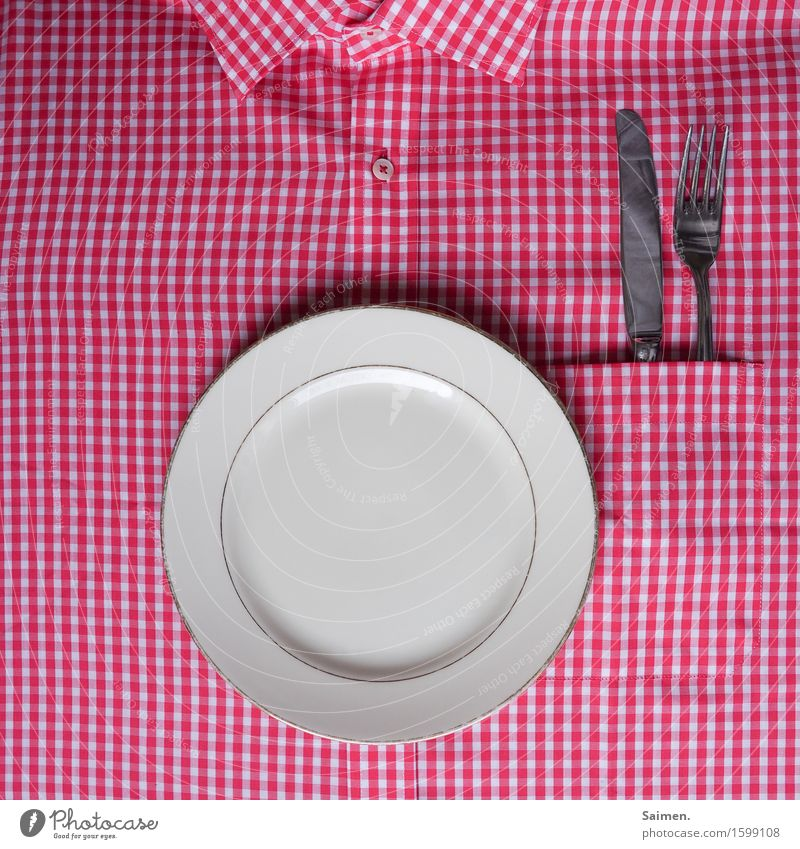 improvisatorische küche   weiß rot Ernährung Geschirr Hemd Teller Messer kariert Knöpfe Besteck Gabel Kragen