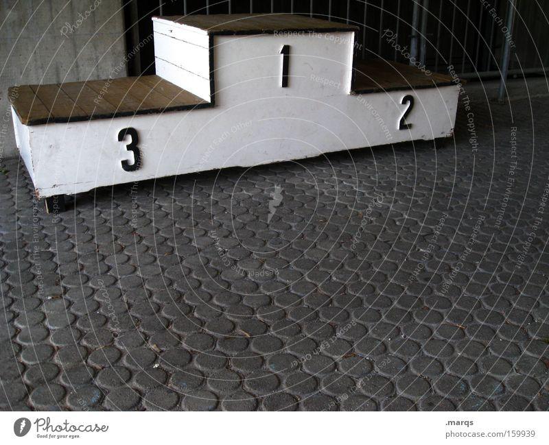 Siegerehrung weiß Freude Sport Spielen 1 Glück grau 2 Kraft Erfolg 3 Treppe Ziffern & Zahlen sportlich Sportveranstaltung