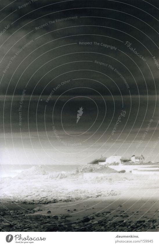 chuva Strand Meer Wasser Felsen Stein Natur verstecken maßgearbeitet Wolken Sand Teehaus Gewitter Schwarzweißfoto Methamorphose Regen
