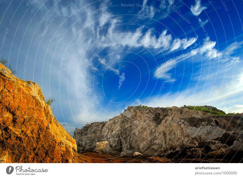 Yellow Rock und Wolkenbildung Umwelt Natur Landschaft Himmel Sonnenlicht Sommer Wärme Hügel Felsen Berge u. Gebirge Schlucht ästhetisch elegant Ferne frei heiß