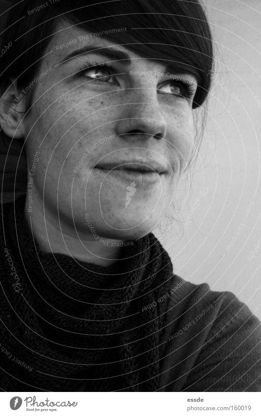frühlingserwachen Frau weiß schön Freude schwarz Erwachsene Auge lachen Glück Denken Gedanke Schal gefesselt