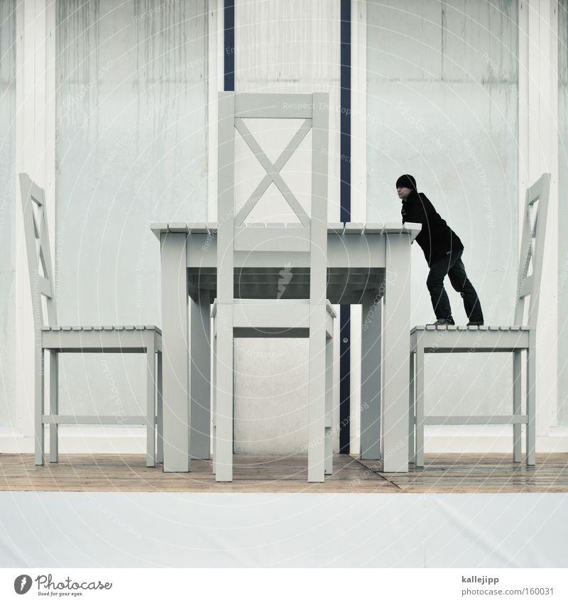 tischlein deck dich Tisch Stuhl Möbel Innenarchitektur Design groß klein Zwerg Koloss Raum Häusliches Leben Mensch optische täuschung küchentisch Tischplatte