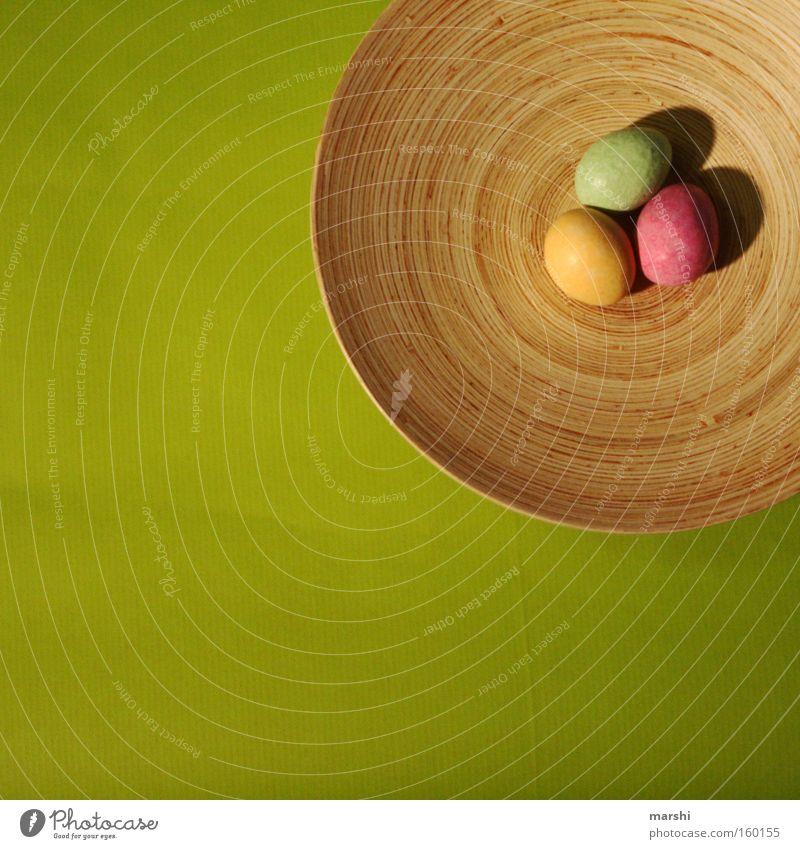 Ostereiersuche im Quadrat Ostern Ei Feste & Feiern Suche finden mehrfarbig festlich Frühling Freude rosa gelb grün egg easter Schalen & Schüsseln