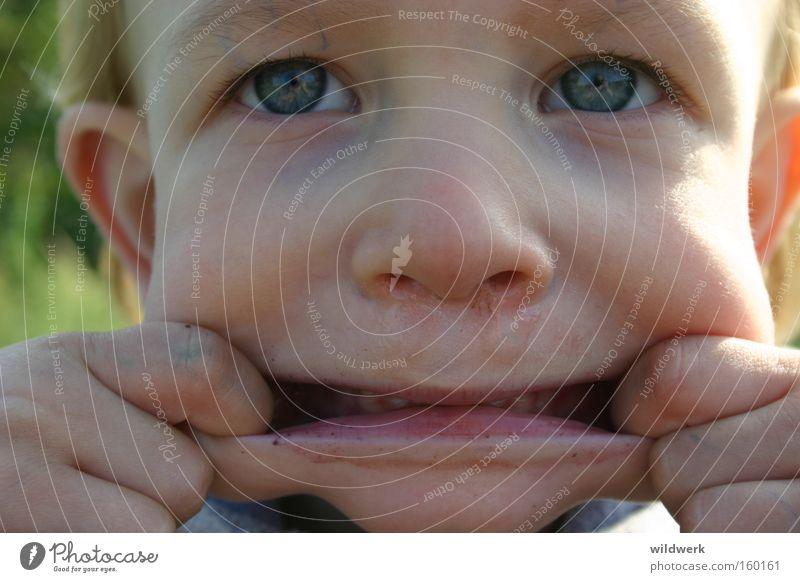 Rotzgöre 01 Kind Freude Gesicht gruselig frech Grimasse