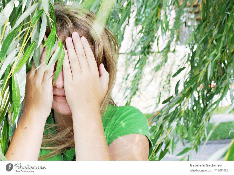 just don't forget the stars above Wind Pflanze verstecken genießen frei grün Hand Licht Sonne Luft Sommer glänzend Bodensee Haare & Frisuren Lampe