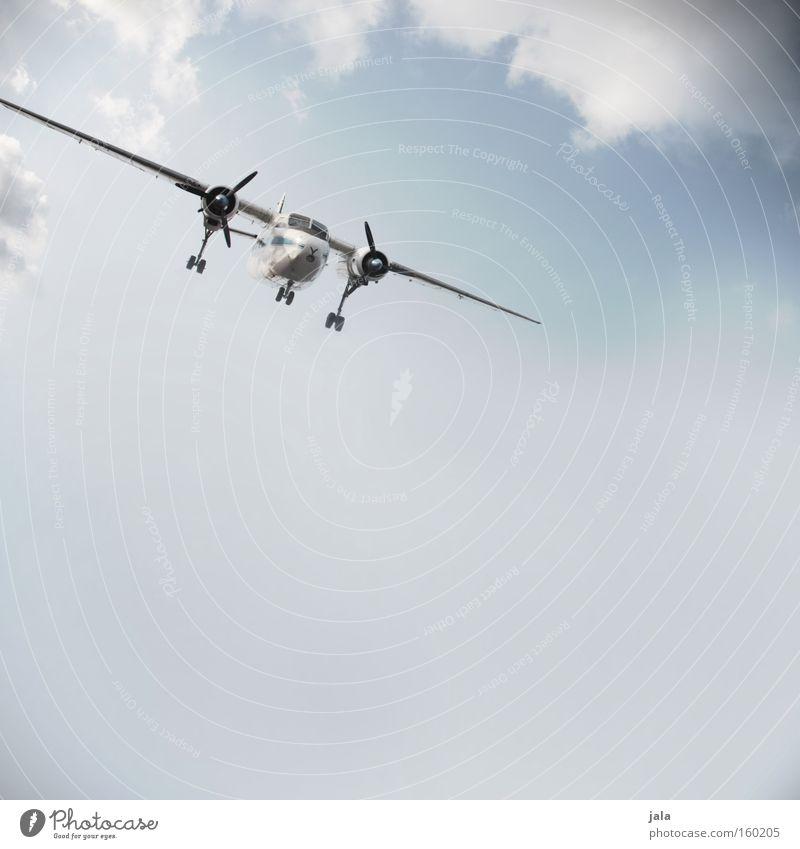 plane crashes & love messages Himmel Wolken außergewöhnlich fliegen Luftverkehr frei Flugzeug retro Unendlichkeit Flugzeugstart Flugzeuglandung Propeller