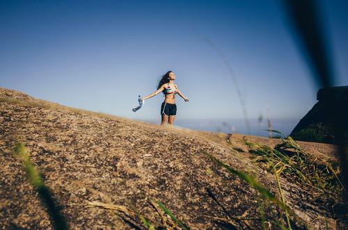 ° Mensch Ferien & Urlaub & Reisen Jugendliche schön Junge Frau Erholung Ferne 18-30 Jahre Berge u. Gebirge Erwachsene Leben feminin Religion & Glaube Lifestyle