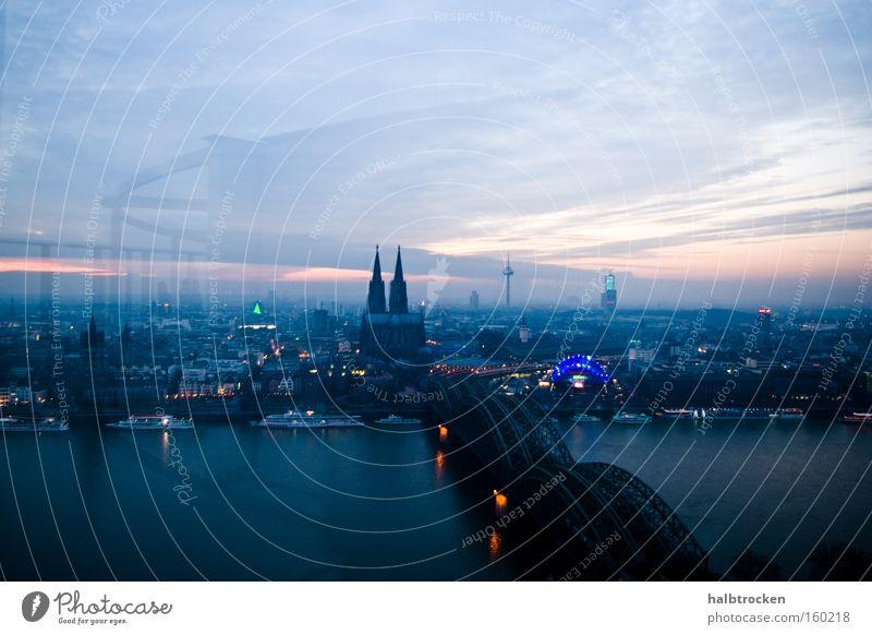 New Year's Eve Köln Dom Brücke Landschaft Rhein Fluss Panorama (Aussicht) Licht Himmel Wolken blau Reflexion & Spiegelung Stadt Wahrzeichen Denkmal Rheinbrücke