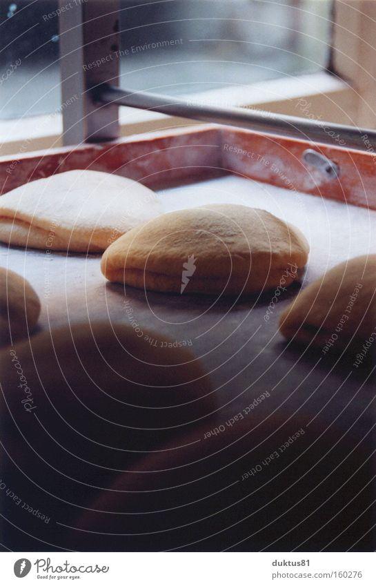 ruhende Teilchen Bäckerei Kuchen süß lecker frisch Teigwaren Backblech Mehl Marmelade Produktion Backwaren Ernährung Kuchenteilchen backen