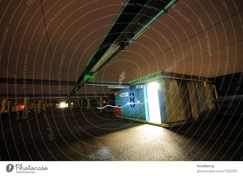 cheater Niveau 8 Tür Durchgang Eingang Notausgang Fluchtweg Ausgang Gebäude Science Fiction Industrie Langzeitbelichtung gefährlich