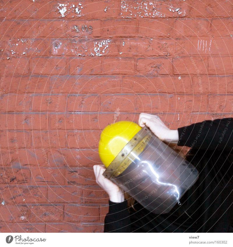 Kosmonaut Mann Hand fliegen Industrie Luftverkehr Industriefotografie Baustelle Schutz Konzentration Weltall Held Aggression Helm gestikulieren Pilot
