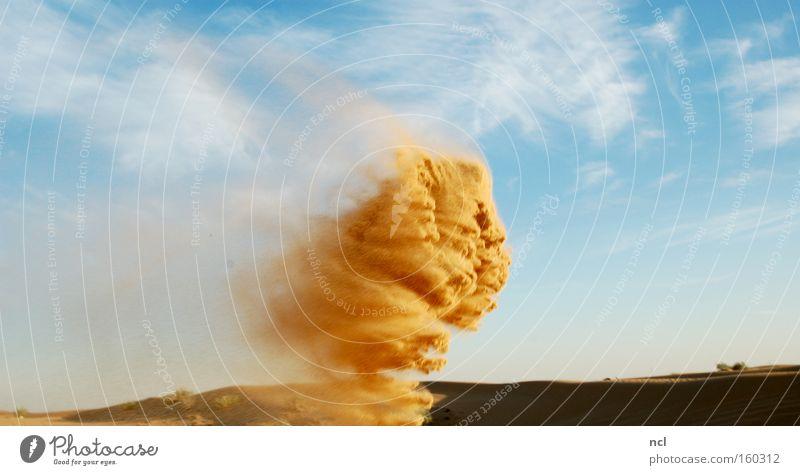 Sandgewirbel Himmel Monster Sturm wehen Wind Verwirbelung seicht verfallen produzieren Formation Wüste heiß Asien Erde auflösen formieren Strukturen & Formen
