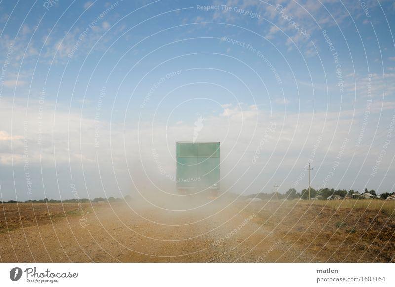 ukrainische Piste Landschaft Wolken Horizont Sonnenlicht Sommer Dürre Baum Gras Steppe Verkehrswege Güterverkehr & Logistik Straßenverkehr Lastwagen fahren blau