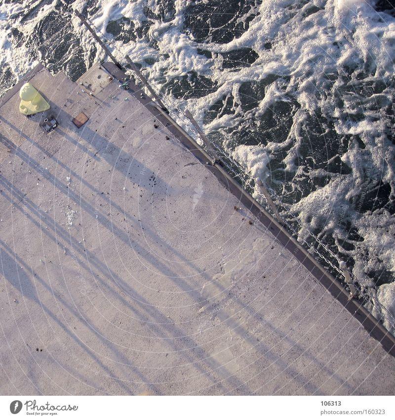 Fotonummer 113738 oben unten Schaum Schatten Schönes Wetter Plattform Aussicht Wellen Flußwehr Angst abwärts fallen Wasser Meer Weser Gischt Gewalt Natur