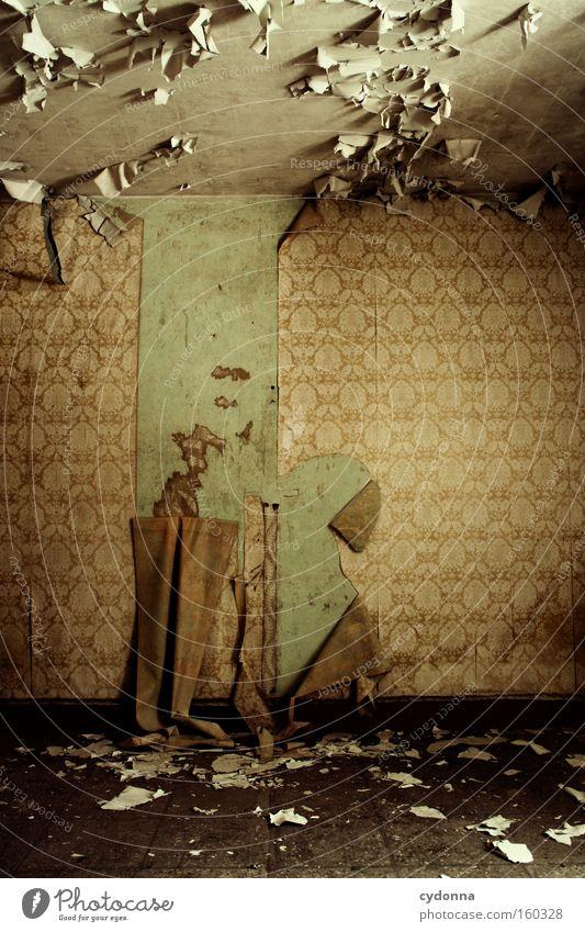 [Weimar09] In der Lücke steckt die Tücke Raum Örtlichkeit Vergänglichkeit Zeit Leben Erinnerung Zerstörung alt Militärgebäude Verfall Tapete retro kleben