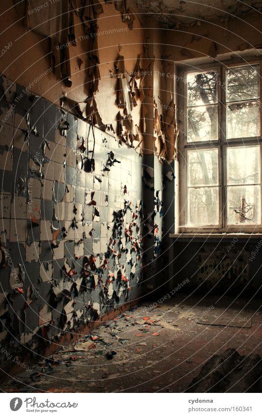 Die Zeit dokoriert um Fenster Raum Örtlichkeit Verfall Leerstand Licht Vergänglichkeit Leben Erinnerung Fliesen u. Kacheln Zerstörung alt Militärgebäude Müll