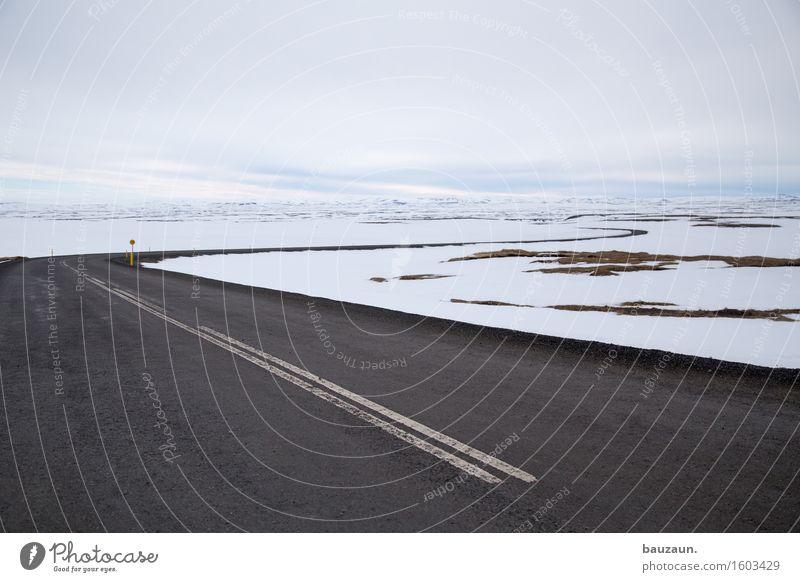 schneestrasse. Himmel Natur Ferien & Urlaub & Reisen Landschaft Wolken Ferne Winter kalt Umwelt Straße Schnee Freiheit Linie Tourismus Wetter Eis