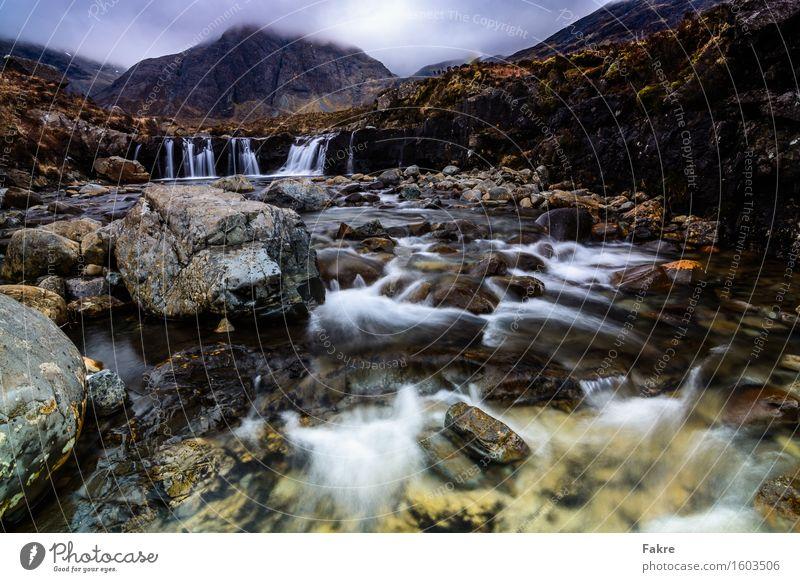 Fairy Pools Umwelt Natur Landschaft Urelemente Wasser Himmel Wolken Frühling schlechtes Wetter Felsen Berge u. Gebirge Flussufer Bach Wasserfall Abenteuer Isle