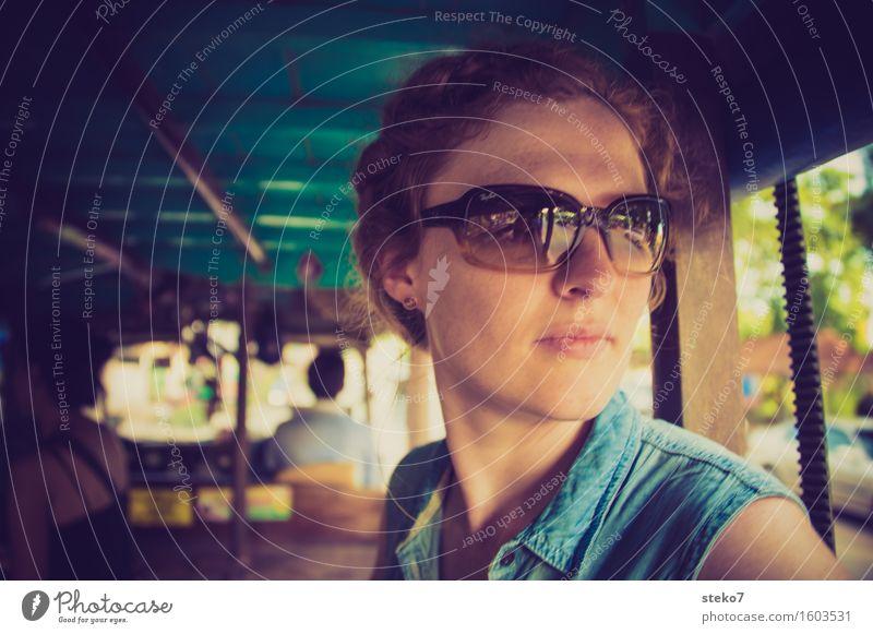 Sommerurlaub Ferien & Urlaub & Reisen Tourismus Lebensfreude Coolness Zufriedenheit Güterverkehr & Logistik Thailand Asien Öffentlicher Personennahverkehr Frau