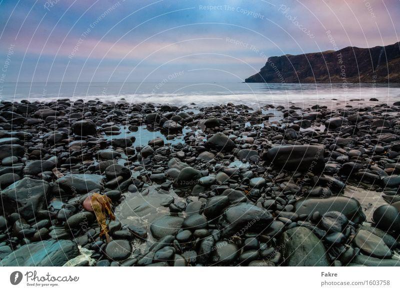 Talisker Bay Abenteuer Ferne Umwelt Natur Landschaft Urelemente Erde Sand Wasser Himmel Wolken schlechtes Wetter Wellen Küste Meer Insel Schottland Isle of Skye