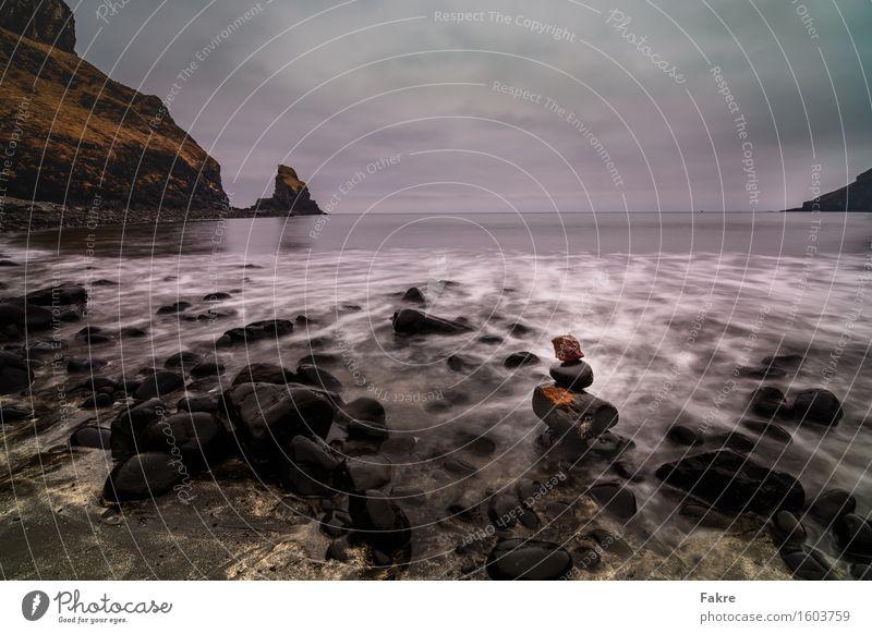 Talisker Bay Umwelt Landschaft Erde Sand Himmel Wolken schlechtes Wetter Wind Felsen Wellen Küste Strand Bucht Fjord Nordsee Meer Schottland Isle of Skye ruhig