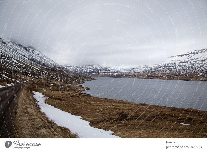road to . Himmel Natur Ferien & Urlaub & Reisen Wasser Meer Landschaft Wolken Ferne Winter Berge u. Gebirge kalt Umwelt Wege & Pfade Gras Küste außergewöhnlich