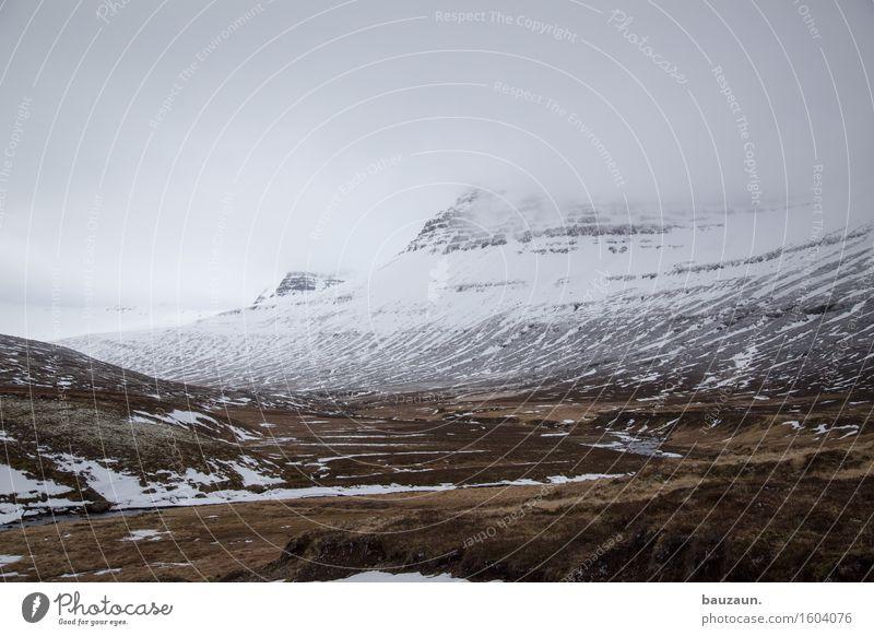 ^. Himmel Natur Ferien & Urlaub & Reisen Landschaft Wolken Ferne Winter dunkel Berge u. Gebirge kalt Umwelt Gras Schnee Freiheit Tourismus wild