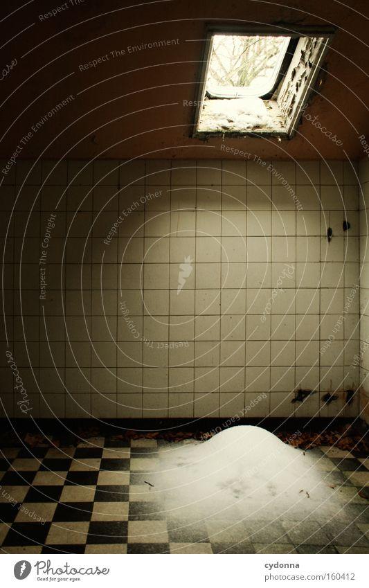[Weimar 09] Zimmerschnee Winter Fenster Schnee Leben Zeit Raum Vergänglichkeit Rauschmittel Bad verfallen Fliesen u. Kacheln Verfall Örtlichkeit Zerstörung