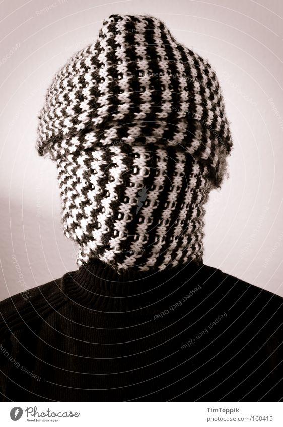 Mein erstes Self Mann geheimnisvoll anonym Schal blind verdeckt verborgen Terror vermummen vermummt unerkannt verhüllen kaschieren unkenntlich Geisel