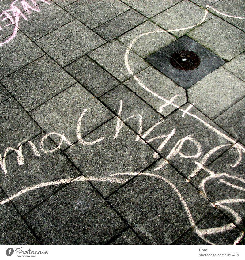 Und jetzt ... alle! Farbe Straße Spielen Kindheit Beton streichen Bürgersteig Gemälde Verkehrswege Kreide Düsseldorf Spielplatz Zeichnung hüpfen Gully Platz