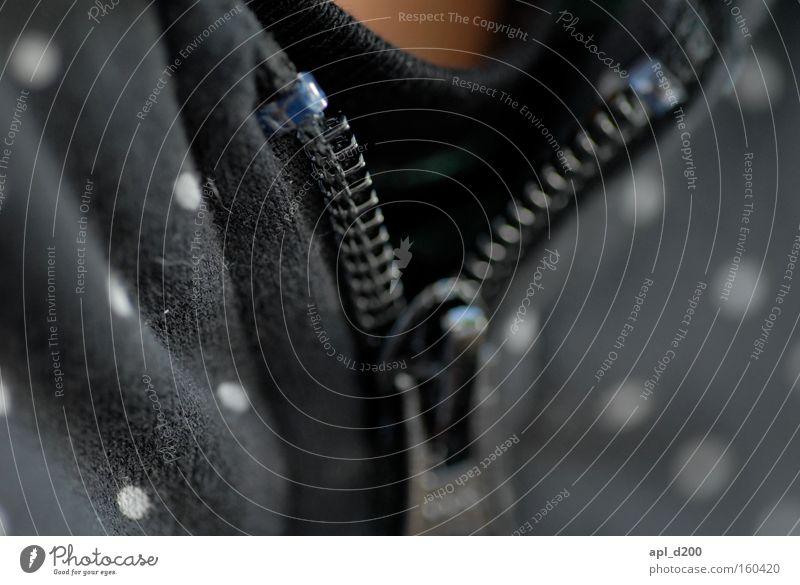 zippo schwarz T-Shirt Punkt nah Jacke Brust Top Hals Weste Reißverschluss