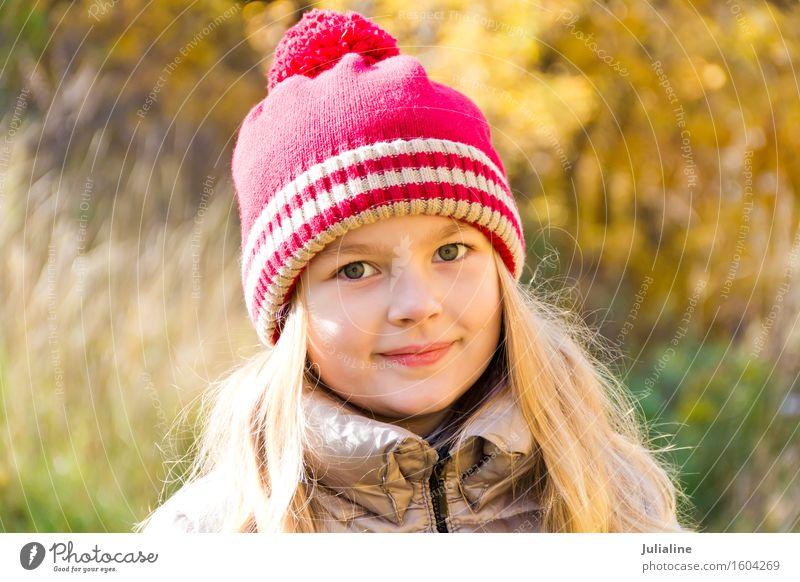 Herbstfoto des schönen Mädchens Sommer Kind Kindheit 1 Mensch 3-8 Jahre blond niedlich weiß fünf sechs 7 acht Vorschulkind fallen Kaukasier Europäer Ausdruck