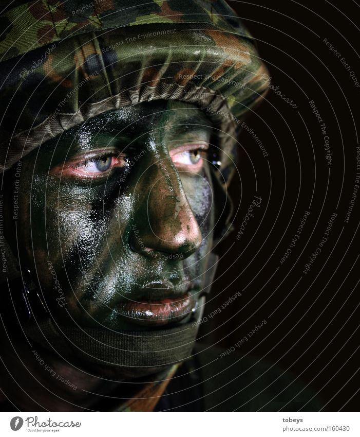Auch schon KDV-Antrag gestellt? Dienstleistungsgewerbe kämpfen Macht Krieg Moral Soldat Bundeswehr Bundeswehrsoldat Armee Wehrdienst Pflicht Terror dienen