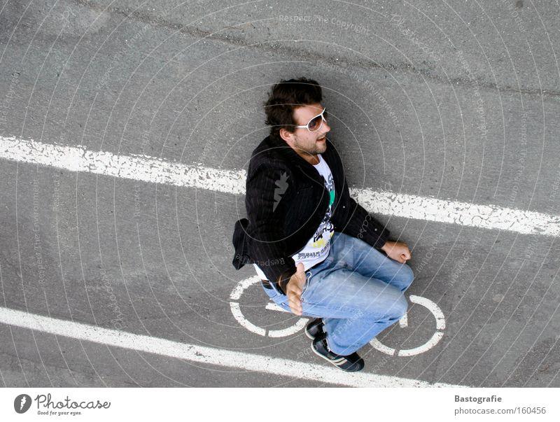 fahrtwind Ferien & Urlaub & Reisen Freude Straße Spielen Berge u. Gebirge Bewegung lustig Fahrrad Geschwindigkeit fahren Verkehrswege Präsentation Inszenierung