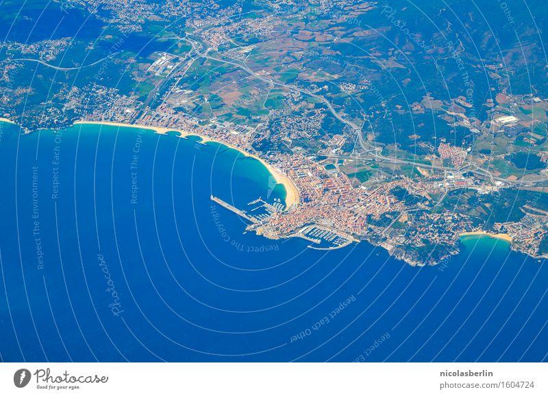 Prima Klima | keine Wolken über Barcelona Natur Ferien & Urlaub & Reisen Stadt Meer Ferne Strand Umwelt Freiheit Tourismus fliegen Luftverkehr Abenteuer